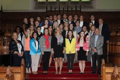 Lexie and her classmates at the chapel at the Univ of Oxford