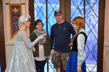 Meeting Anna and Elsa